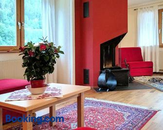 Raich Ferienwohnungen - Ried im Oberinntal - Wohnzimmer