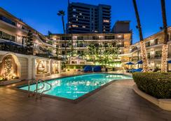 Beverly Hills Plaza Hotel & Spa - Los Angeles - Piscina