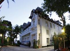 Anadolu Kulubu - Büyükada - Κτίριο