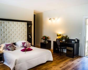 Best Western Le Marquis de La Baume - Nimes - Bedroom