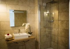 Best Western Le Marquis de La Baume - Nimes - Bathroom