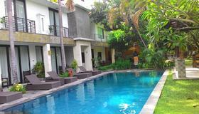 Puri Maharani Boutique Hotel And Spa - Denpasar - Pool
