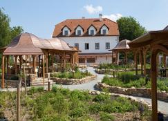 Babiccina Zahrada Penzion & Restaurant - Pruhonice - Building