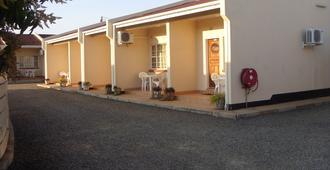 Mosi-O-Tunya Executive Lodge - Livingstone - Gebäude