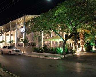 Achilles Hotel - Methoni - Building