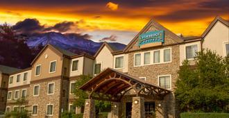 Staybridge Suites Colorado Springs North - קולרדו ספרינגס - בניין