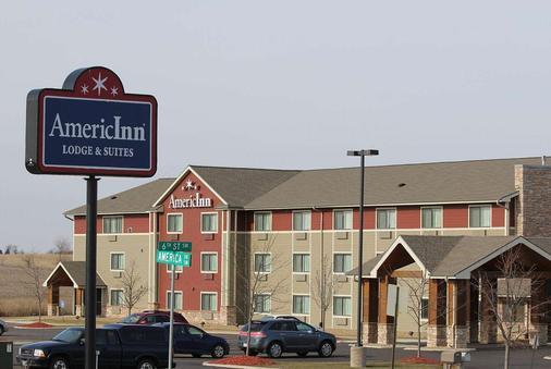 Americinn By Wyndham Cedar Rapids/Cid Airport - Cedar Rapids - Building