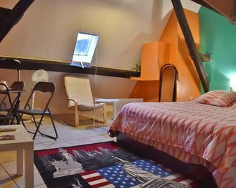 Cathy Blue Lodge - Provins - Bedroom