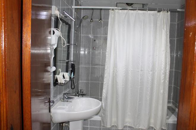 Grand Nova Hotel - Dubai - Bathroom