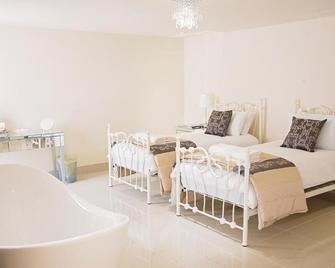 Cranberries Hideaway - Axminster - Bedroom