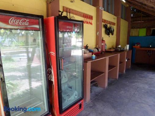 Pariango Beach Motel - Praia do Tofo - Front desk