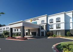 La Quinta Inn & Suites by Wyndham Kennesaw - Kennesaw - Rakennus