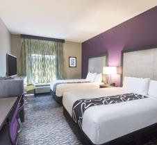 La Quinta Inn & Suites by Wyndham Kennesaw