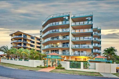The Esplanade Picnic Point - Maroochydore - Building