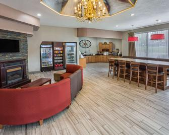 Ramada by Wyndham Hendersonville - Hendersonville - Lobby