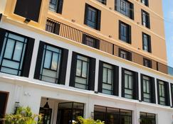 Grand Hotel Urban - Antananarywa - Budynek