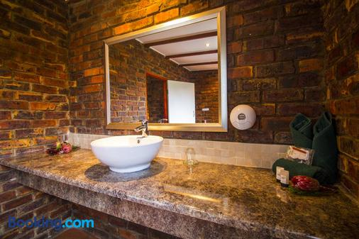 Storms River Guest Lodge - Stormsrivier - Bathroom