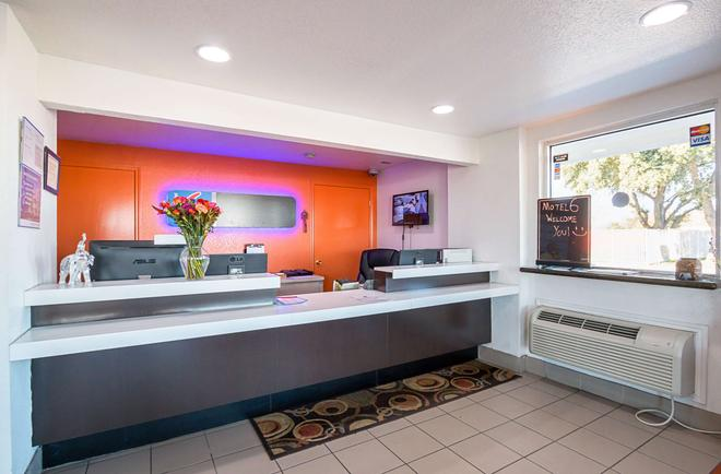 Motel 6 Round Rock - Round Rock - Ρεσεψιόν