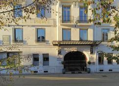 Le Grand Hotel Tours - Tours - Edificio