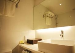 I.T.W Hotel - Seoul - Bathroom