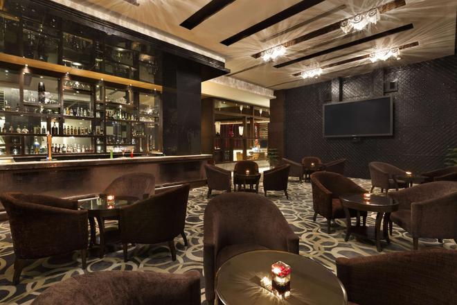 古爾岡中央華美達酒店 - 古爾岡 - 古爾岡 - 酒吧