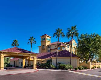La Quinta Inn & Suites by Wyndham Phoenix West Peoria - Peoria - Gebäude
