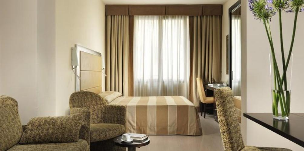 Fh55 Grand Hotel Mediterraneo Aed 367 A E D 6 0 6 Florence Hotel Deals Reviews Kayak