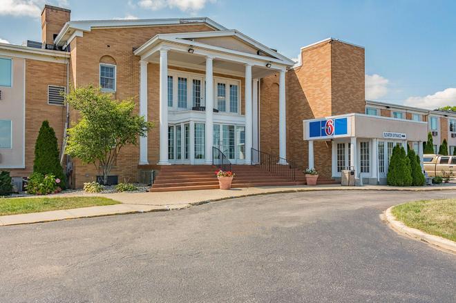 Motel 6 Grand Rapids MI - Northeast - Гранд-Рапидс - Здание