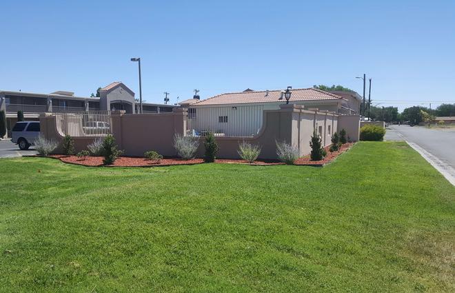 Best Western El Rancho Palacio - Roswell - Building