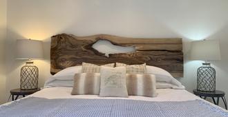Queen Regent Bed & Breakfast - Niagara-on-the-Lake - Bedroom