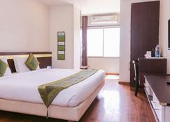 Treebo Trend Sun Palace Bhopal - Bhopal - Bedroom