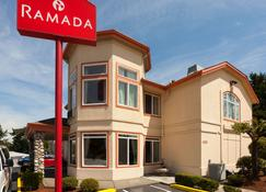 Ramada by Wyndham SeaTac Airport North - Tukwila - Building