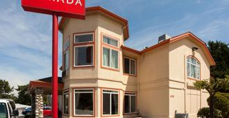 Ramada by Wyndham SeaTac Airport North - Tukwila