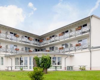 Hotel Restaurant Südpfalz-Terrassen - Gleiszellen Gleishorbach - Building