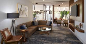 Courtyard By Marriott Los Angeles Lax / Century Boulevard - Los Angeles - Olohuone