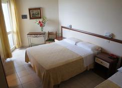 Hotel Nettuno - Cattolica - Bedroom