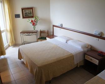 Hotel Nettuno - Cattolica - Schlafzimmer