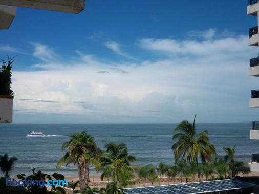 Vallarta Jr Suites - Puerto Vallarta - Beach