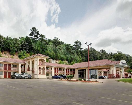 Quality Inn - Conway - Building
