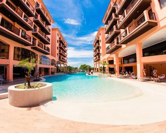 Jurerê Beach Village - Florianopolis - Pool