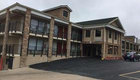 Baymont by Wyndham Branson Theatre District - Branson - Edificio