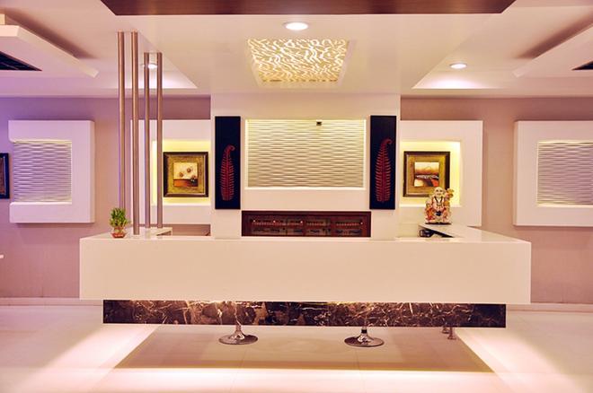 太陽國際大飯店 - 新德里 - 櫃檯