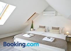 Apartments Hisa Pod Gradom - Liubliana - Habitación