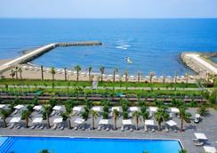 特拉布宗溫德姆華美達廣場飯店 - 特拉布宗 - 海灘