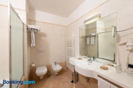 Lady Maria Hotel & Resort - Malosco - Bathroom