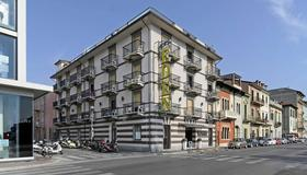 Hotel Eden - Viareggio - Building