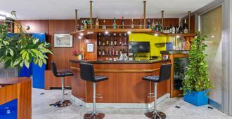 โรงแรมจีโนซี อริโซนา - มิลาน - บาร์