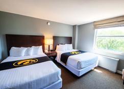 Iowa House Hotel - Iowa City - Schlafzimmer
