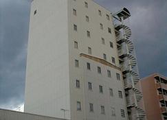 Business Hotel Chateau Est Takamatsu - Takamatsu - Toà nhà