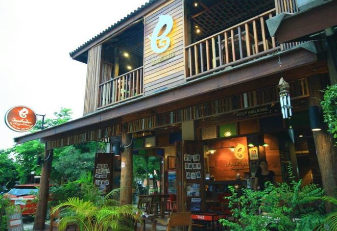 Huen Chang Puek Hotel - Nan - Building